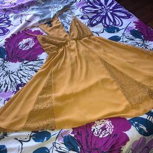 Beautiful casual  dress yellow mustard Forever21
